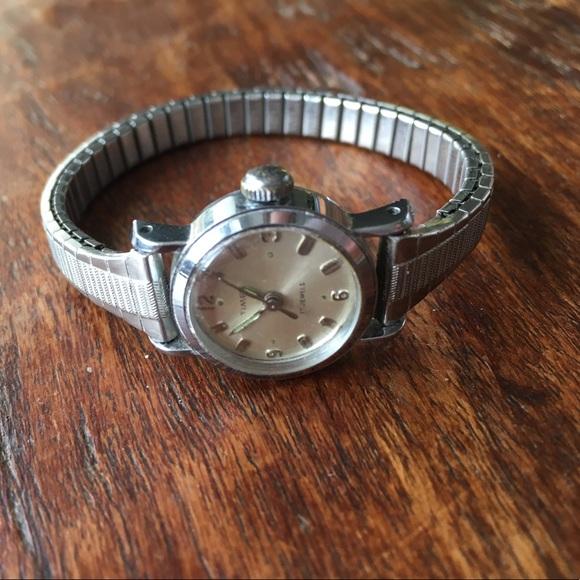 bcc9fe284 Vintage Timex Women's Watch. M_5a3e83cc5521be838604e9cc